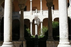 25-Cloisters-of-Cathedral