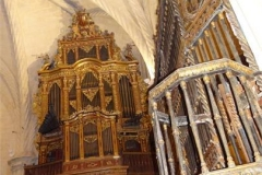 31-Pulpit-and-Organ-in-Catedral