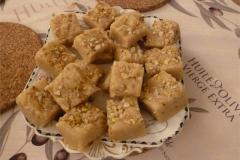 S05-Pistachio-and-almond-dessert