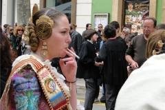 05-smoking-girl
