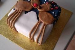 08-Reindeer-Christmas-cake