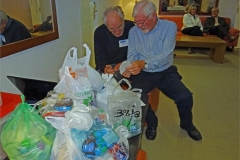 08-Howard-and-Francis-with-the-bags-of-plastic-tops-for-Noa