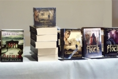 Y91-Jana-and-her-books