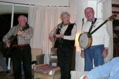 Folk-music-group-001
